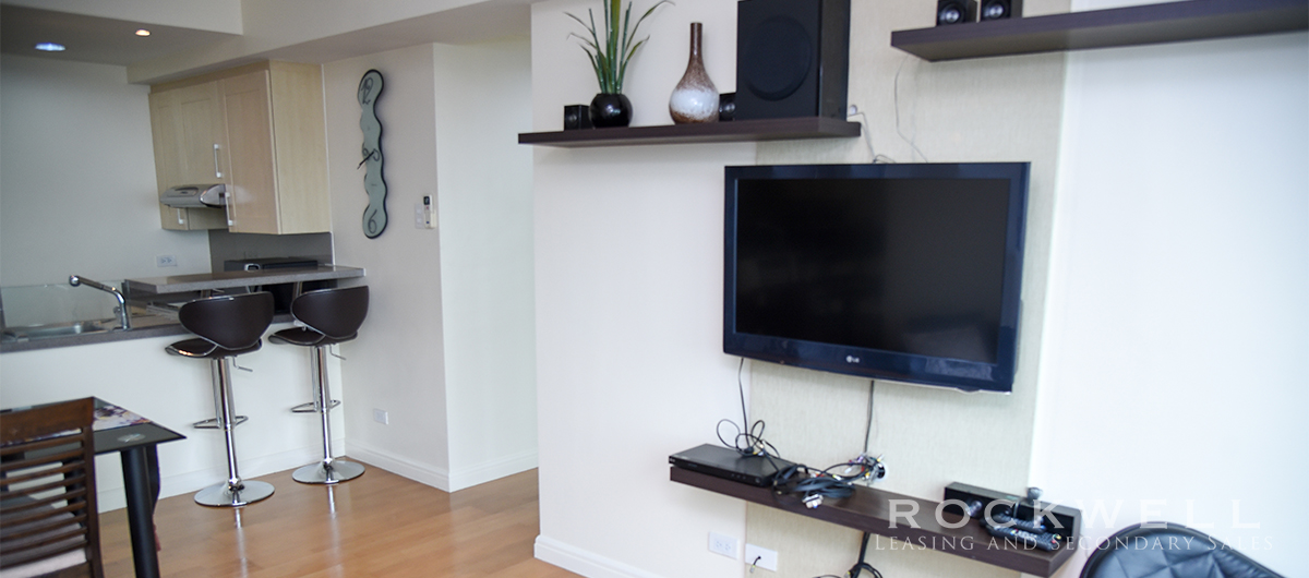 One Rockwell 1BR FLAT 70SQM